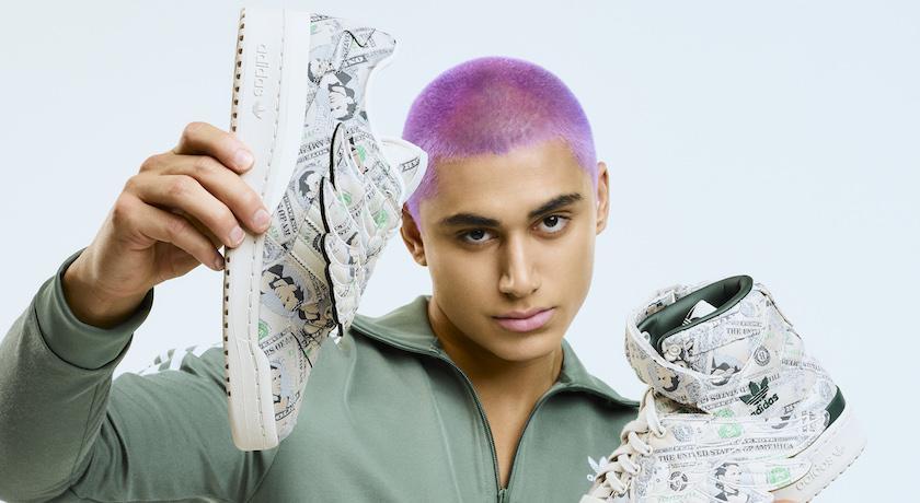 球鞋上「貼滿鈔票」超浮誇!愛迪達聯手時尚鬼才搞怪