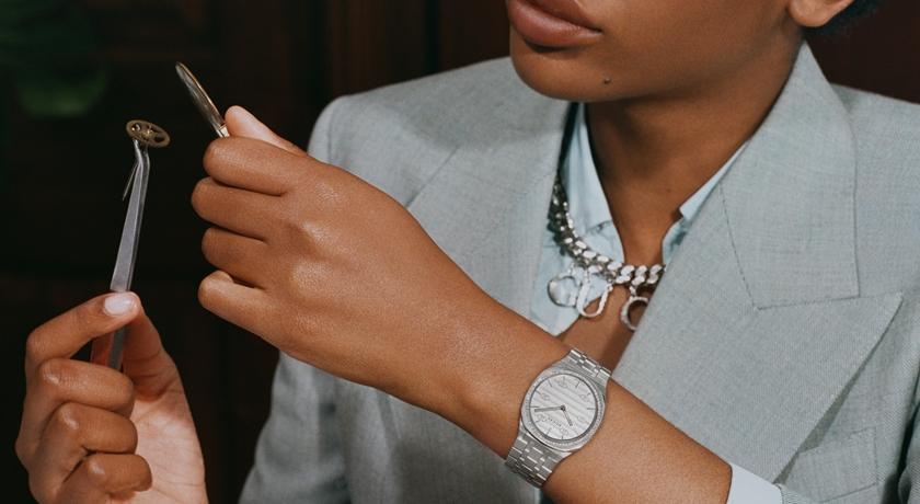 女子錶》模特兒變製錶師!「超專業手錶廣告」螺絲起子都入鏡