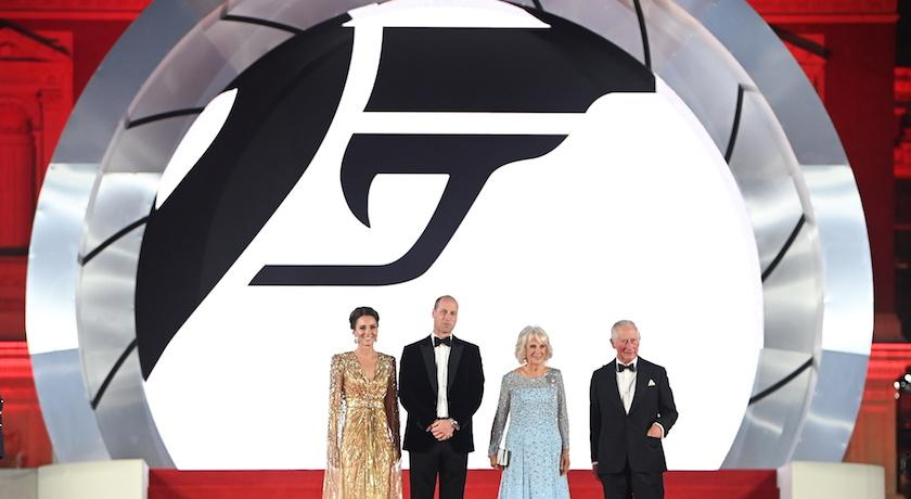 凱特王妃驚喜亮相007首映!罕見穿「透視晚禮服」讓龐德也看傻