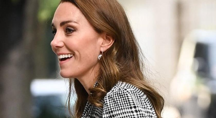 凱特王妃穿「兩千元有找」舊洋裝出訪!平價品牌也重複穿再創親民巔峰