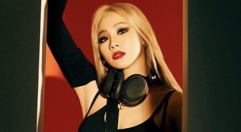 韓女星 CL 又單穿底褲!狂秀驚人長腿掀「下半身不穿」風潮