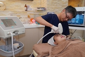 怕眼周紋路顯老態 新式療法引發熱潮