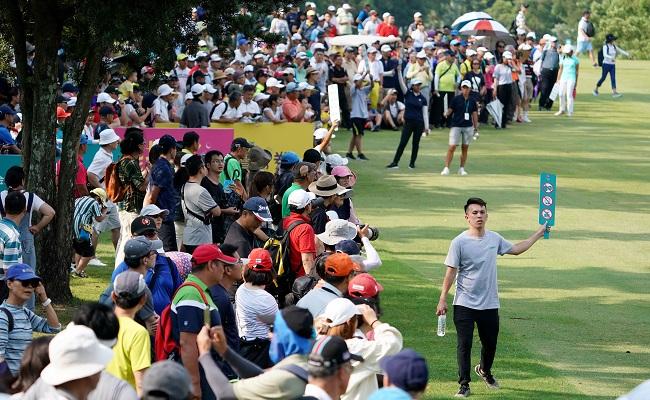 中信女子高球賽 球迷擠滿林口球場