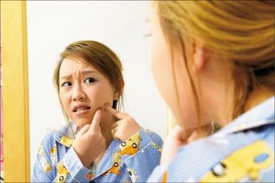 醫療新知與日常保健》冒痘的季節到!六大原則教你正確抗痘!
