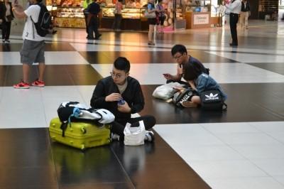 地理眼》 黑白講 – 臺北車站大廳的黑白空間默契