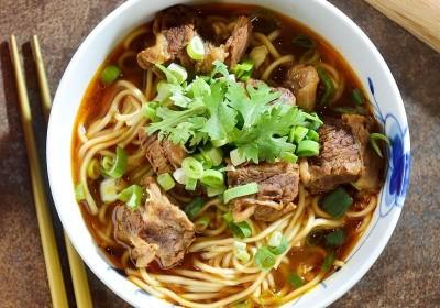 韋恩的食農生活》放心吃牛肉麵,新聞說二天一碗牛肉麵得到大腸癌太武斷!