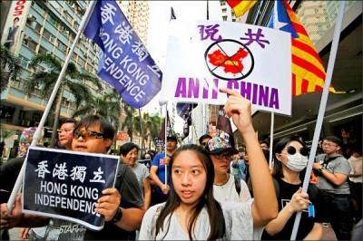 胡,怎麼說》邪惡迫近,「比悲慘更悲慘的故事」會在台灣發生嗎?