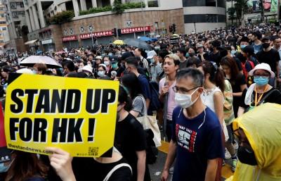 自由限時批》怪哉!全世界都在等香港的槍聲?!北京真的是挫咧等了!