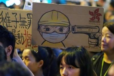 菜市場政治學》如何從獨裁走向民主?從香港看非暴力抗爭對抗獨裁政權的可能性