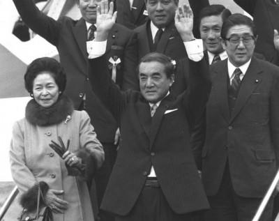 政治的日常》後田中時代群像(五):風見雞宰相中曾根康弘(上)