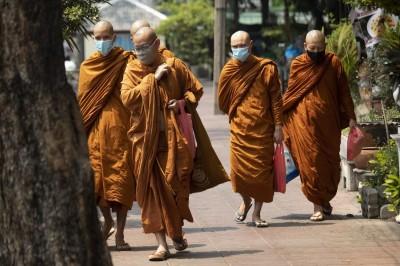 一路向南》泰國政府當前面臨的政經危機(一):佛系防疫