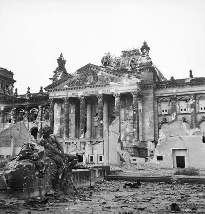 神奇海獅先生》「糖果轟炸機」:1948年面對蘇聯封鎖,西柏林人如何在自由與餓死中抉擇?(一)