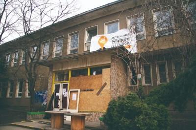 故事》【住的所在】資本主義社會有可能「人人有屋住」嗎?捷克當代的「新佔屋運動」