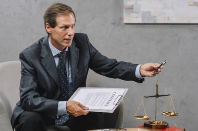 法律010》小心冒牌律師!免費法律諮詢前先了解這點!