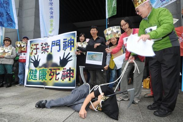 產業的更迭迅速,台灣人口也將負成長,作者認為不管藍綠執政,都期待執政者有更前瞻的眼光,將既有的工業區通盤檢討,並進行工業土地規劃分配。(資料照,記者劉信德攝)