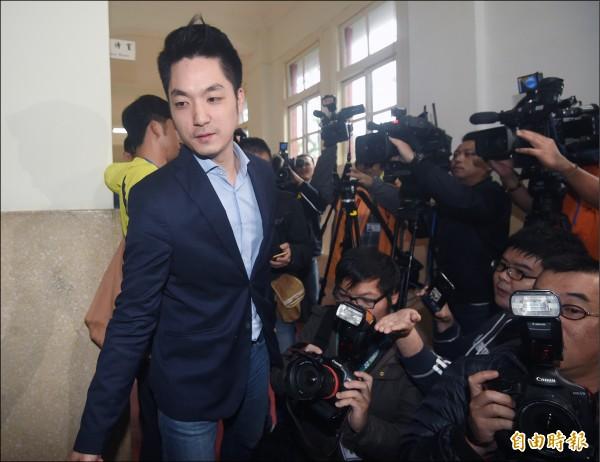 國民黨立委蔣萬安在1月19日無預警宣布不參加2018台北市長選舉,要留在法院監督執政黨。(記者廖振輝攝)