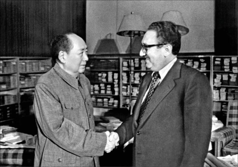 《星期專論》毛澤東的「軍閥」玩笑
